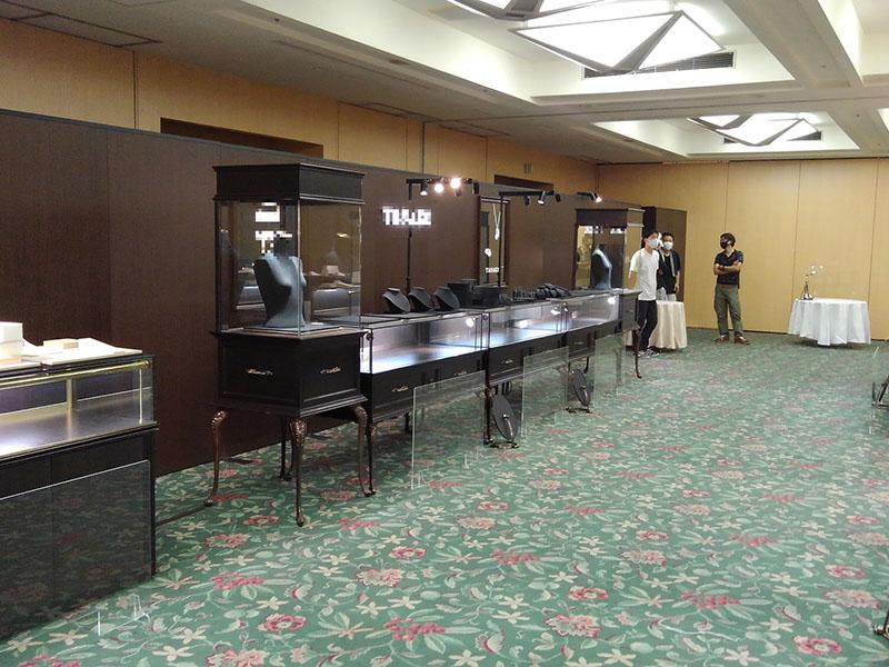 徳島市内ホテルで開催された宝石の展示・販売会