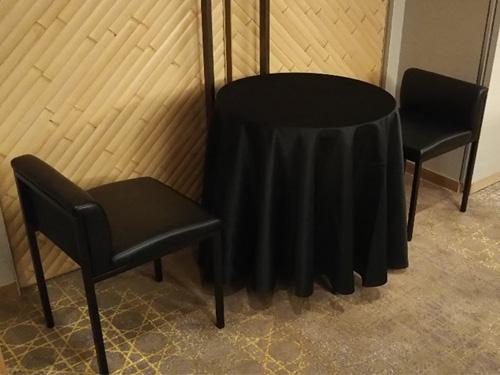 黒接客椅子