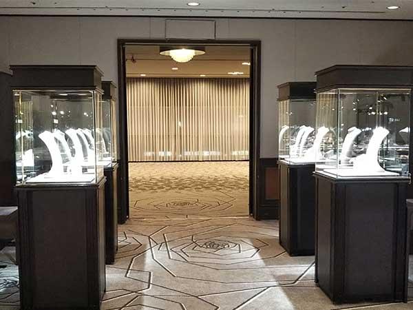 兵庫で行われた宝飾品の展示会