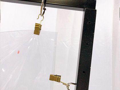 スタンド式飛沫感染防止ビニールフレーム 使用イメージ1