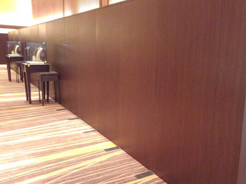 パネルで壁のデザインを統一